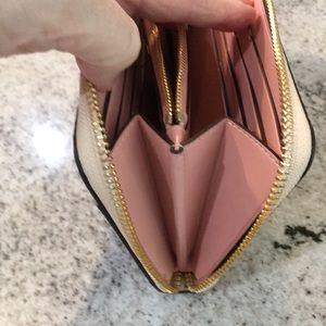 Coach Bags - EUC Coach wallet